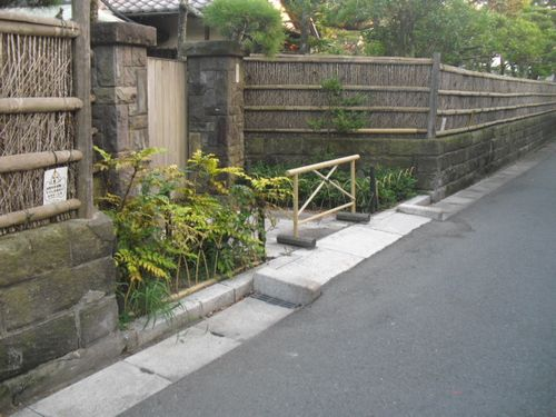 1-3/3) 癒しの路地 _ 鎌倉市材木座