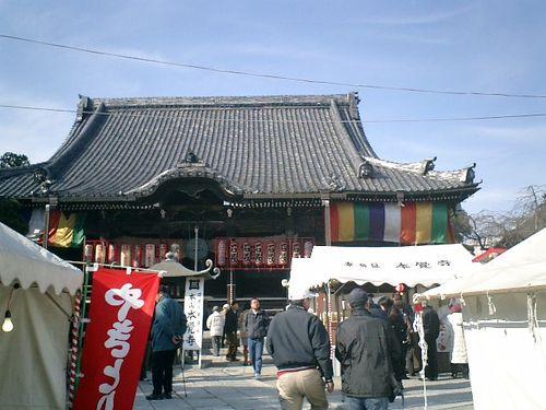 03) (「妙本寺」~'小町大路'方向から)「本覚寺」山門をくぐり、'若