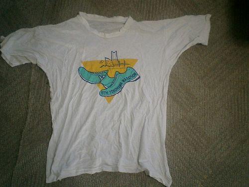 08) 参加賞のTシャツ_09.07.16ウエスとして廃棄時に撮影