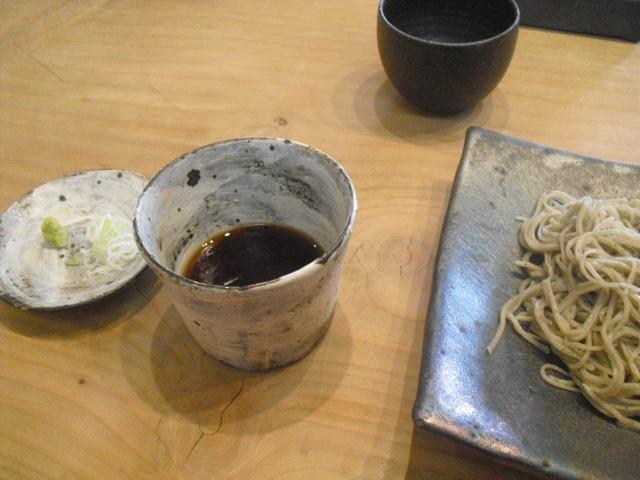04) 薬味葱、つゆ&「十割蕎麦」_蕎麦「梵蔵」