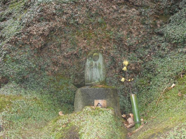 22) 雪の日、鎌倉「東慶寺」梅の頃。11.02.12