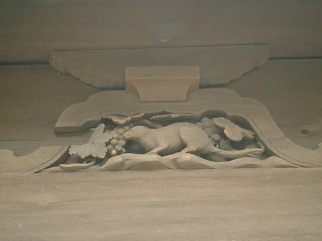 23) 鎌倉「英勝寺」_仏殿(寳珠殿)背面の彫刻、中。