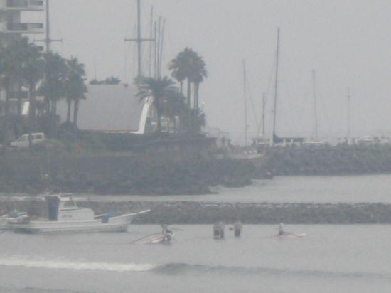 07) 現存する最古の築港跡「和賀江島」へ係留された漁船 _ 材木座海岸