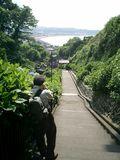 04)鎌倉市極楽寺「成就院」。'お約束撮影ポイント'で撮っている人を、そのまた後ろから私が撮った。