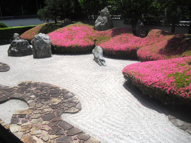 08)  「三尊五祖の石庭」 _ 鎌倉「光明寺」