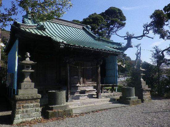 60) 鎌倉市山ノ内「八雲神社」 _ 市内4箇所在る内のひとつ、市内最大で最古の庚申塔が残存する。 _ 11:52am頃