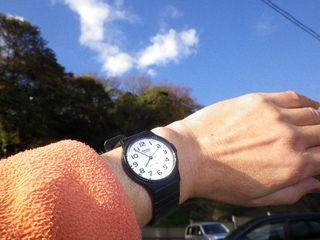 01) 7:50am頃に自宅を出て、集合場所「鎌倉駅」へ徒歩で進行中。 _ 7:54am頃
