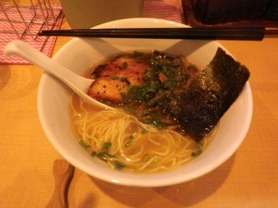 「塩ラーメン」 ¥700 _ 和風らーめん「湘南麺屋 海鳴 (しょうなんめんや うなり)」