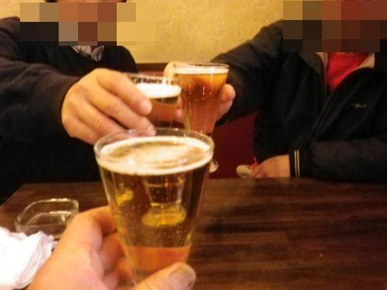 15-01)  お疲れさま、乾杯! _  「チャイハナ」 逗子市逗子5丁目 _ 12:03pm頃~