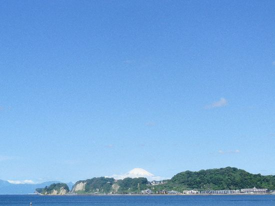 01) 12.05.23富士山が、くっきり見えた。 _ 鎌倉市材木座