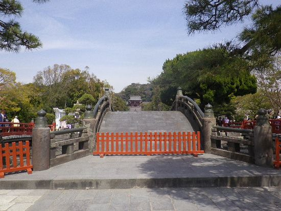 09) 太鼓橋。 私が学生の頃?までは渡ることができた。