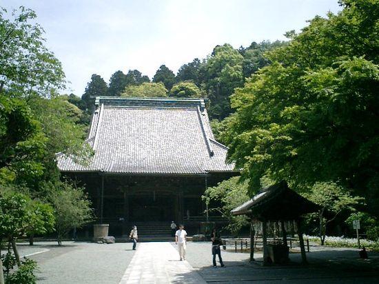 02)鎌倉市大町「妙本寺」山門を出て、本堂を観る。