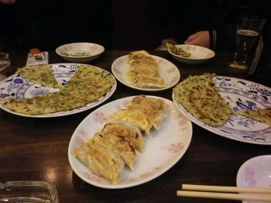 15-03)  オリジナル焼餃子「煎餃子」 ¥520 x2
