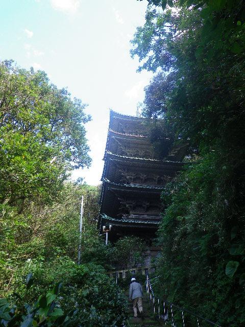 11-04) 五重塔への階段