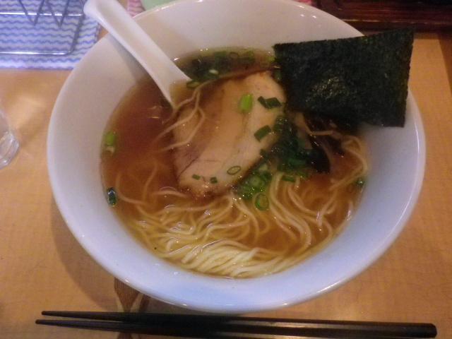 「しょうゆラーメン」 ¥700  _ 「湘南麺屋 海鳴 」 鎌倉市小町