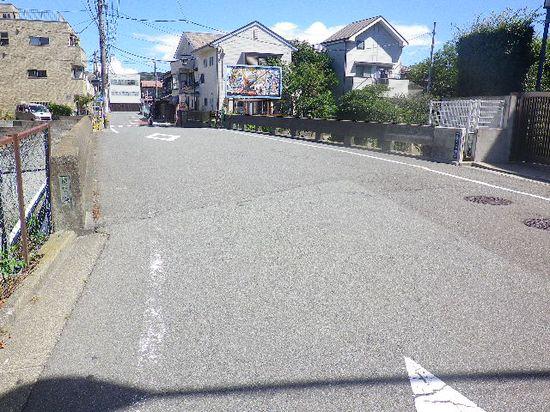 02) 由比ヶ浜側から材木座方向