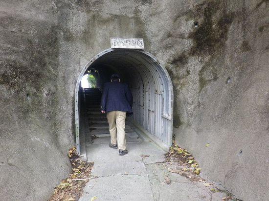 08-02) 「住吉隧道」
