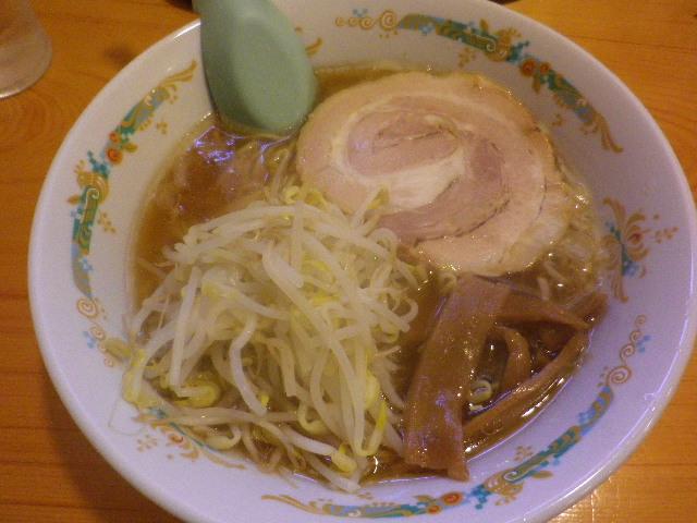 01) 「ラーメン」 ¥520 _ 「静雨庵」 鎌倉市御成町