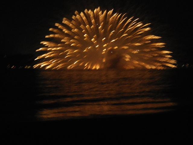 19:23:28pm _ 2013「 第65回鎌倉花火大会 」