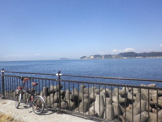 1-01) ' 逗子マリーナ ' 西端で鎌倉市に掛かった敷地からの眺望