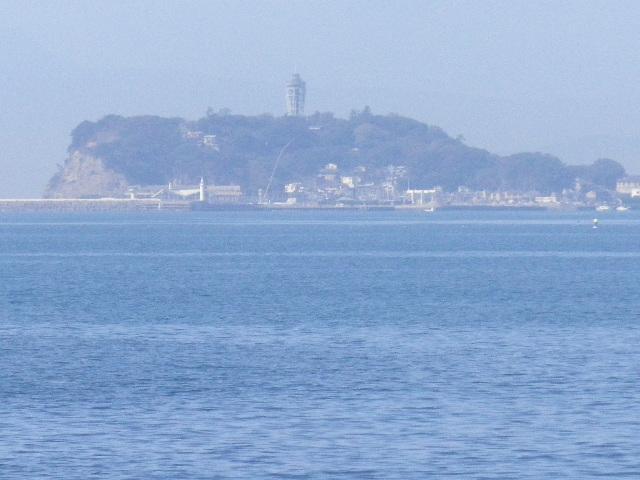 1-04) ' 江ノ島 ' (注:住所は藤沢市江の島で名称も江の島だが、施設や屋号などの固有名詞では ' 江ノ島 ' 表記が混在する。 そもそも私自身が滅茶苦茶表記。)