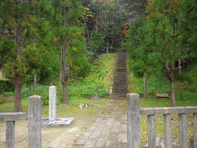 03-2) 「護良親王墓」