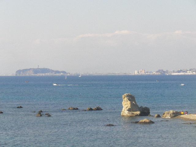 09) 西方向、江の島。
