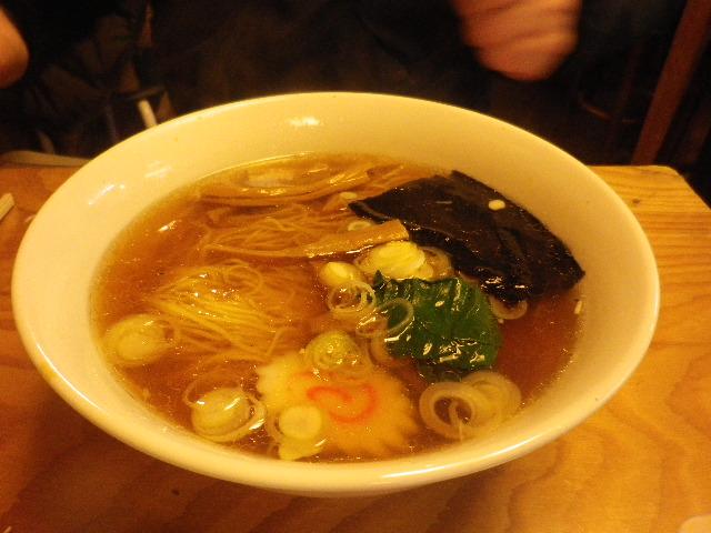 06) 「支那そば」 ¥650 Y.K.隊長注文。 呑んだ後のシメは、やっぱりコレが正解だったナ。