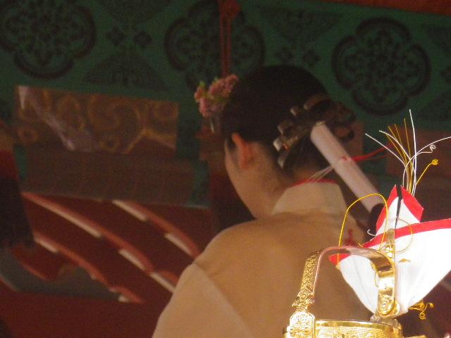 03-4) 私の目的は、巫女さんの ご尊顔を拝顔すること ・・・ ・・・ アヂャ~ 失敗!