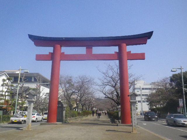 01) 鎌倉「鶴岡八幡宮」 ' 二の鳥居 ' & ' 段葛 '