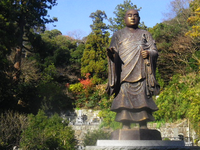 07) 日蓮聖人像