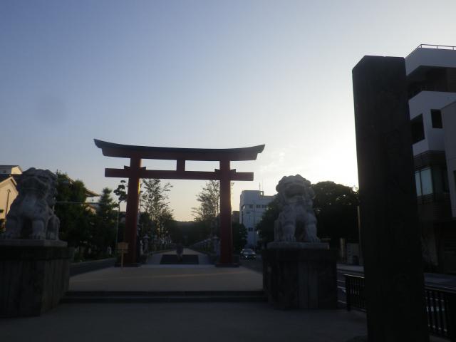 05) 16.08.10 鎌倉「鶴岡八幡宮」 境内をショートカットに使って ゴメンナサイ