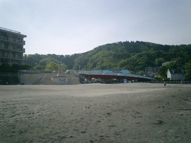 07) 逗子海岸。国道134「なぎさ橋」
