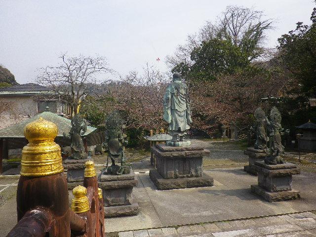 06)   17.03.30 鎌倉「長勝寺」 桜が開花し始めた頃