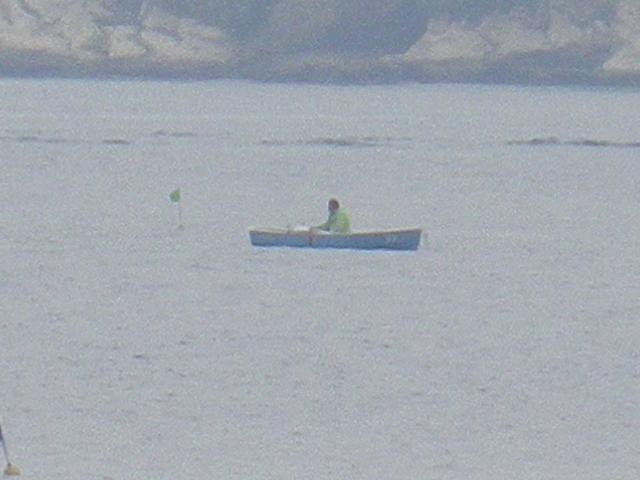 05)   17.04.22 逗子マリーナ(~飯島地区)から、曇天朝の海を漫然と撮っただけ。