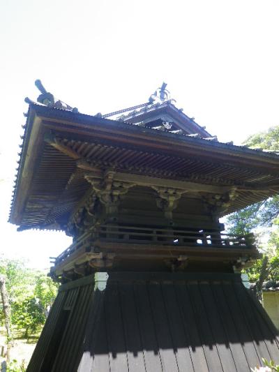 03-2)   格式高い寺院を示すとされる、袴を有す鐘楼。 17.05.05端午  鎌倉「英勝寺」立夏。
