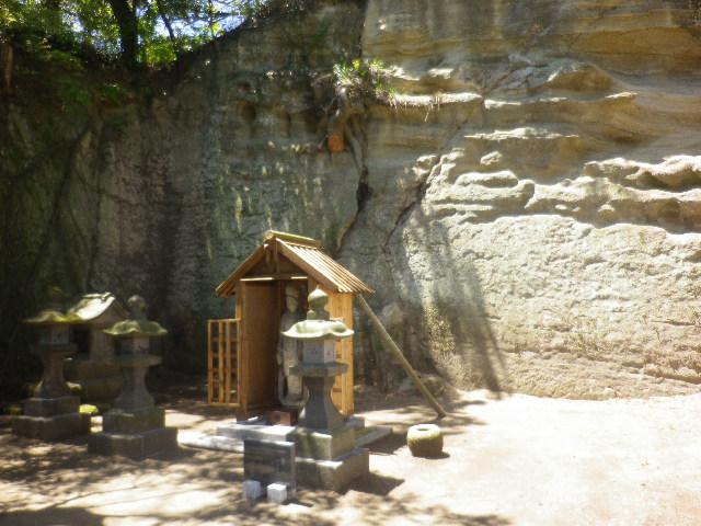 18)   太子堂と新たに安置された菩薩像 17.05.05端午  鎌倉「英勝寺」立夏。