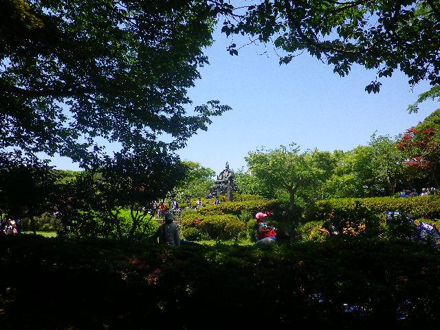 03)   外周路を右方向へ進行中  17.06.15 鎌倉「源氏山公園」梅雨の合間、晴天で暑い日。