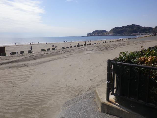 01-1) 18.03.17 「鎌倉海浜公園」の柵が交換されるらしい