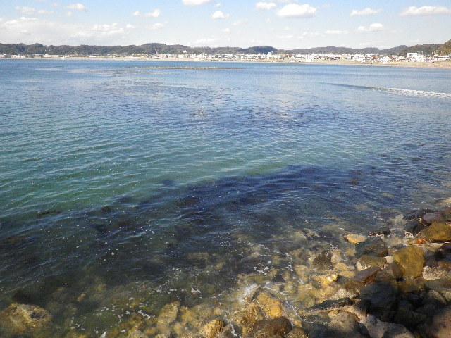 04-1) 満潮でほとんど水没時の和賀江島
