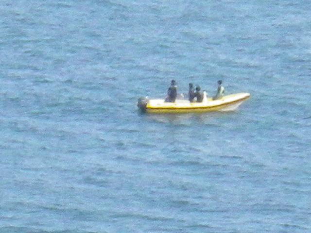 08-4) 船外機付きボート