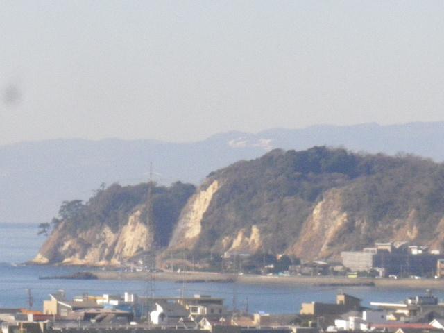 02-1-zoom) 1/3左の稲村ヶ崎ズーム