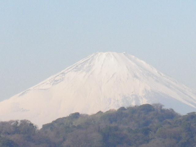 02-2-zoom2) 2/3中の富士山