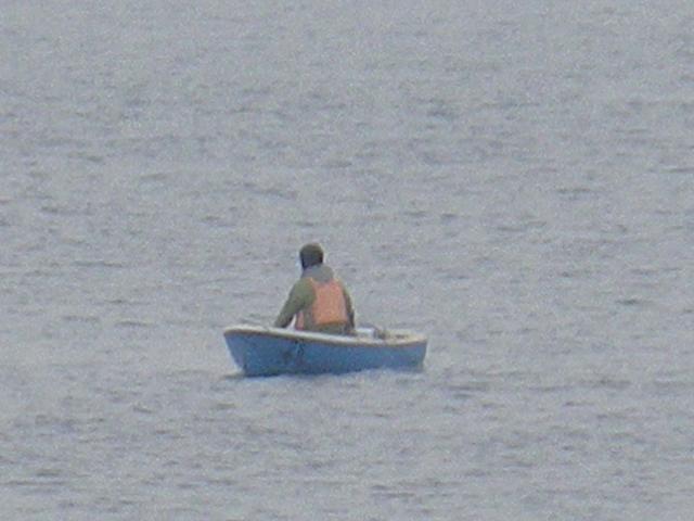 04)   17.04.22 逗子マリーナ(~飯島地区)から、曇天朝の海を漫然と撮っただけ。