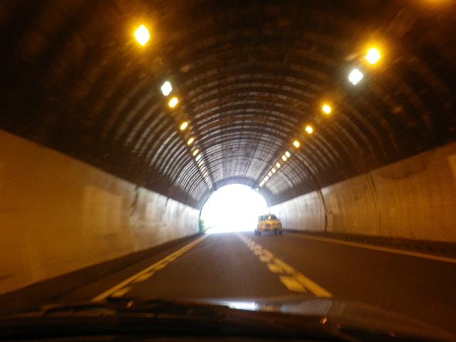 A04)    17.06.16 国道134号線、クルマで移動しながらボケェ~っとテキトーに撮った。
