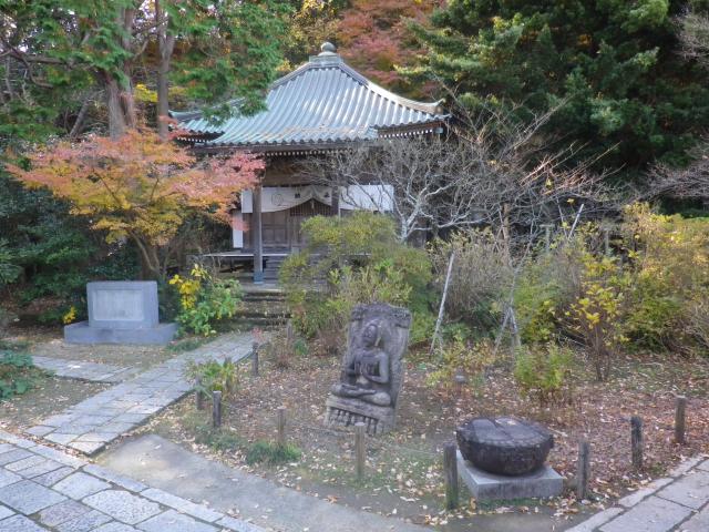06-1)   17.12.12 鎌倉「安国論寺」今日は富士山が見えたヨ