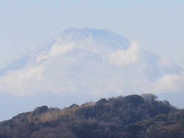 13-2/3b)   17.12.12 鎌倉「安国論寺」今日は富士山が見えたヨ